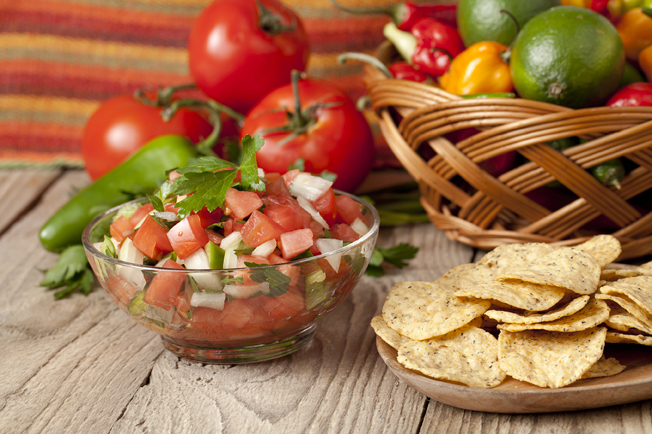 nachos and tomato salsa