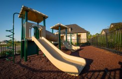 Morgan-Farms_Amenity-center-playground-2_2X