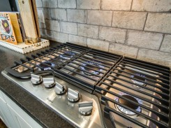 Five burner gas cooktop