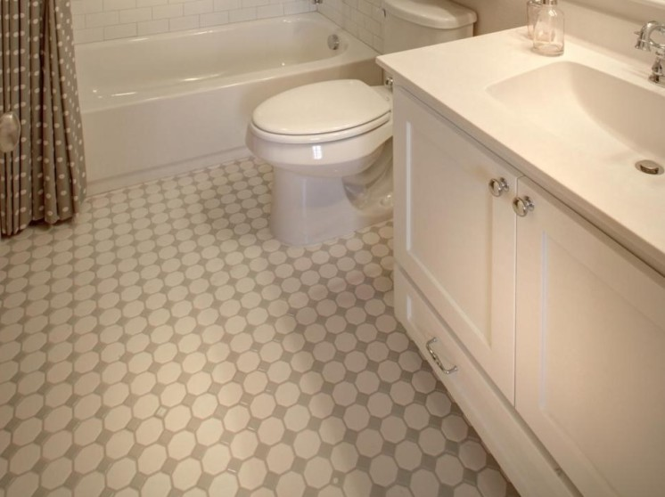 Mosaic-tile-flooring-in-bathroom